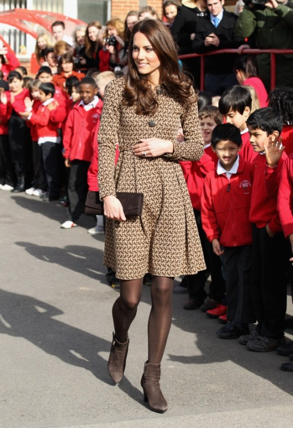 kate middleton dress and boots