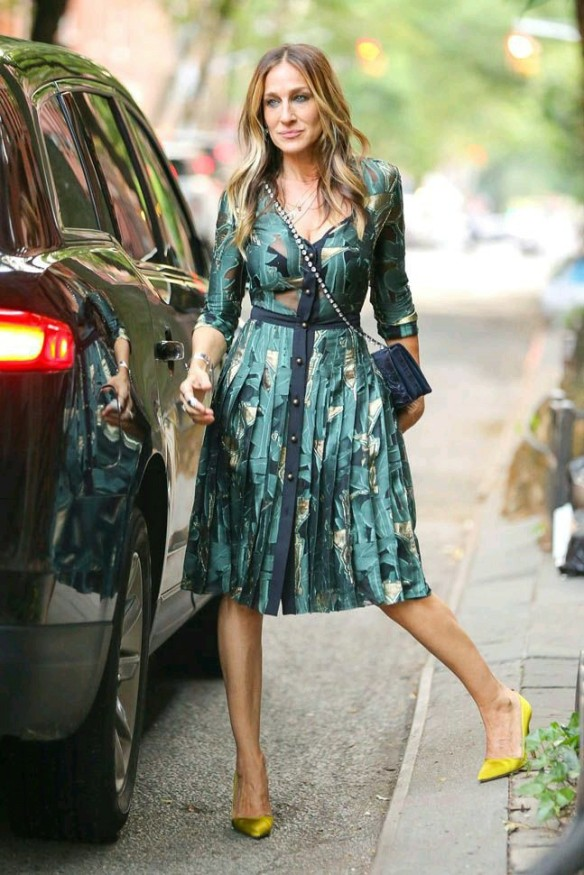 Sarah Jessica Parker in teal dress
