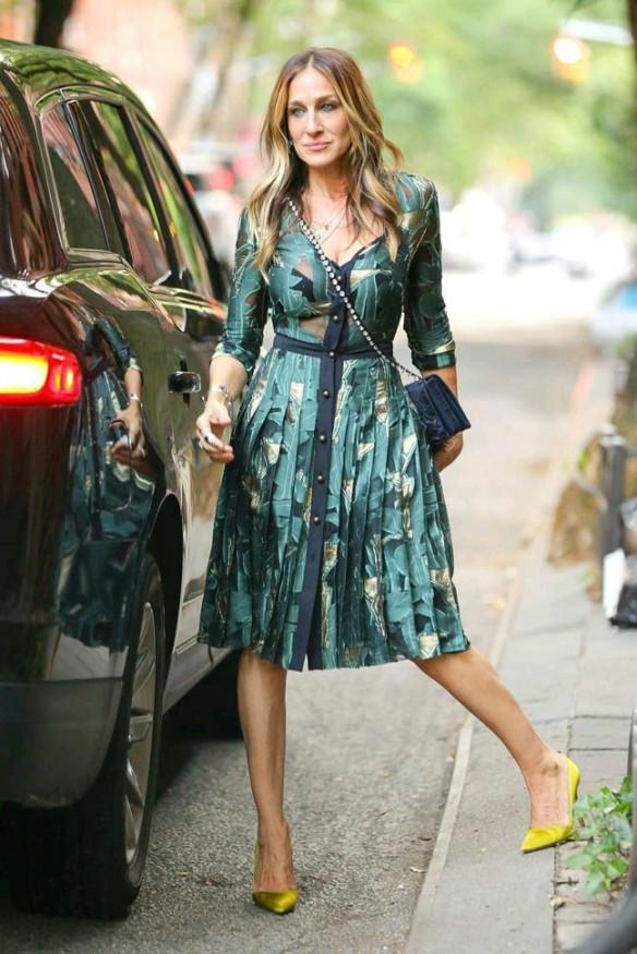 Sarah Jessica Parker in teal dress